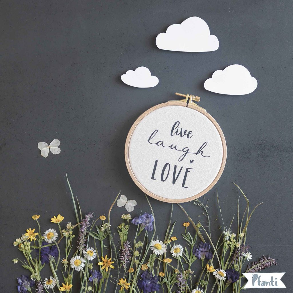 Wandbild live laugh love